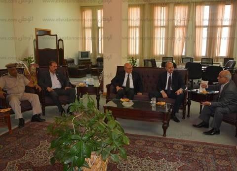 رئيس جامعة الزقازيق يلتقي مدير أمن الشرقية لمتابعة الاستعداد للدراسة