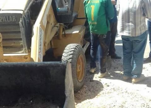 حي شرق بالإسكندرية يستكمل أعمال تمهيد الطريق على طريق الجيش