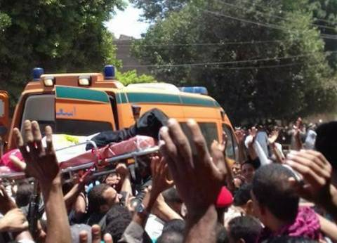 تشييع جنازة شهيدي حادث البدرشين بمسقط رأسيهما في المنيا