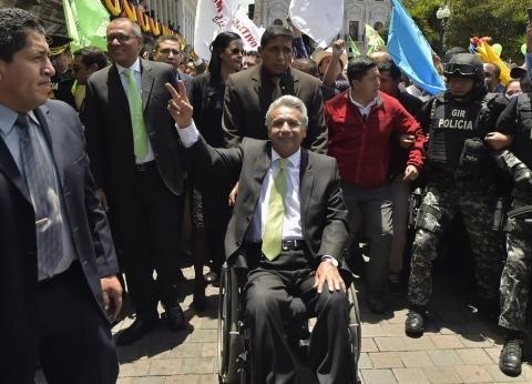 من رئيس الإكوادور الذي يحكم بلاده من فوق كرسي متحرك؟