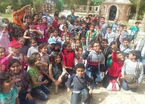 """تلاميذ """"الشربتلي"""" يزورون معالم القرية البدوية التراثية في مطروح"""