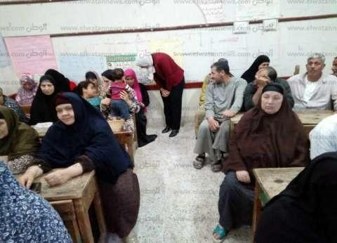 فتح 188 فصلا لمحو الأمية بـ7 مراكز للشباب في المنيا