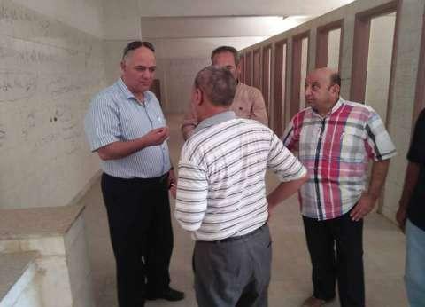 رئيس مركز مطاي بالمنيا يتابع أعمال الصيانة بالمدارس
