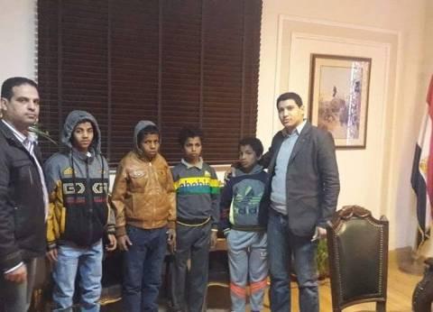قبل توفير مأوى لهم.. رئيس مباحث البساتين يستضيف 4 أطفال شوارع ليلة كاملة