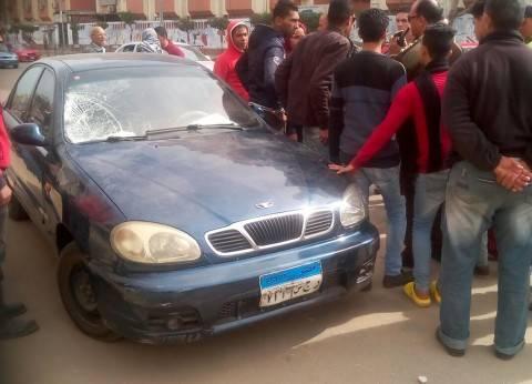 إصابة 4 أشخاص في حادث انقلاب سيارة ملاكي في قنا