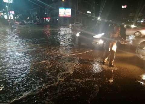 هطول أمطار متوسطة بحي العجمي في الإسكندرية