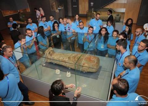 بالصور| 180 شابا وشابة من أقباط المهجر يزورون مكتبة الإسكندرية