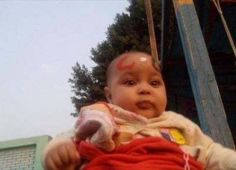 """ناخبة في السيدة زينب: طبعت حروف السيسي على وجه طفلتي حبا فيه.. و""""تحيا مصر"""""""