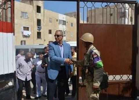 بالصور| محافظ البحر الأحمر ومدير الأمن يتفقدان اللجان الانتخابية