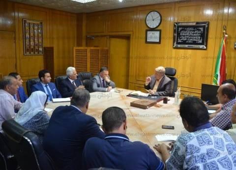 بالصور| محافظ الإسماعيلية يعقد اجتماعا مع وفد من ممثلي فرع بنك مصر