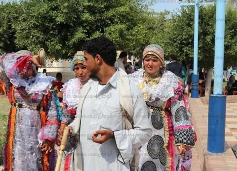 """صور.. مواطنون يقضون العيد بحدائق كفر الشيخ: """"فرحة على قد الأيد"""""""