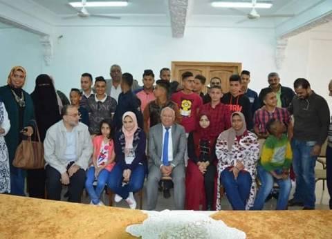"""محافظ بورسعيد يشارك في احتفالية """"يوم اليتيم"""""""