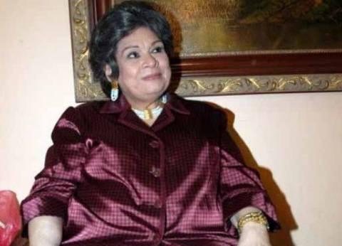 عمرو محمود ياسين ناعيا كريمة مختار: الله يرحمها ويحسن إليها ويجعل مثواها الجنة