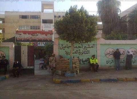 بالصور| رشاوى وبطاقة دوارة في الإسماعيلية.. والمرشحون يحشدون الناخبين من منازلهم