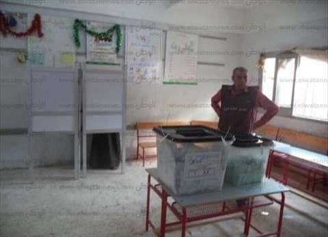 الأمن يخلي مدرسة من الناخبين بمدرسة في السيدة زينب