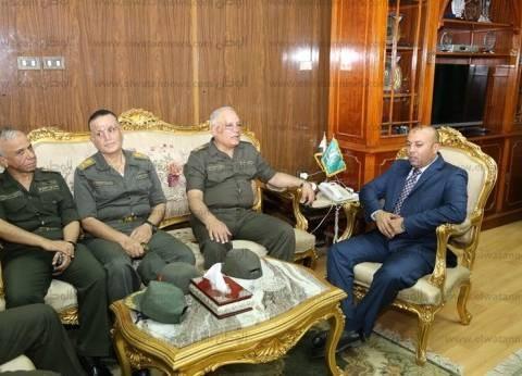 محافظ المنوفية يبحث مع عدد من قادة القوات المسلحة أعمال إنشاءات المستشفى العسكري