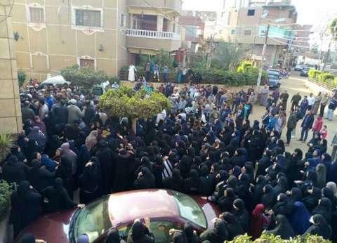عاجل| وصول جثامين شهداء حادث حلوان وبدء صلاة الجنازة بالمطرانية