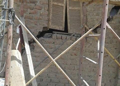 تصدع 7 منازل بسبب أعمال الصرف بقرية تانوف في المنيا