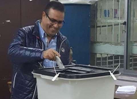 رئيس جامعة المنصورة يقطع 250 كيلو متر للإدلاء بصوته الانتخابي