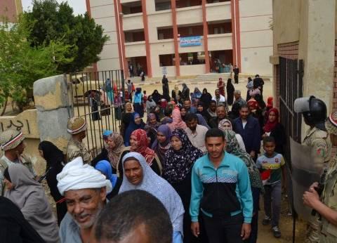 تزايد إقبال الناخبين على صناديق الاقتراع بلجان الحوامدية في الجيزة