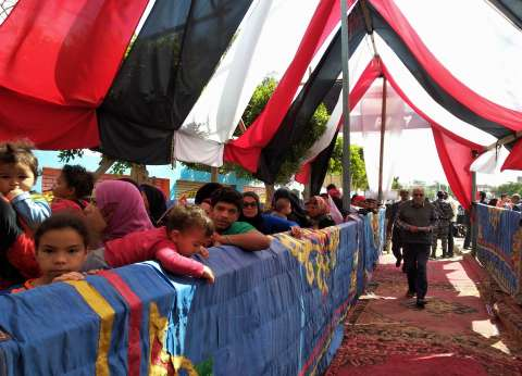 اللجنة المشرفة على الاستفتاء تتفقد لجان السلام والنهضة