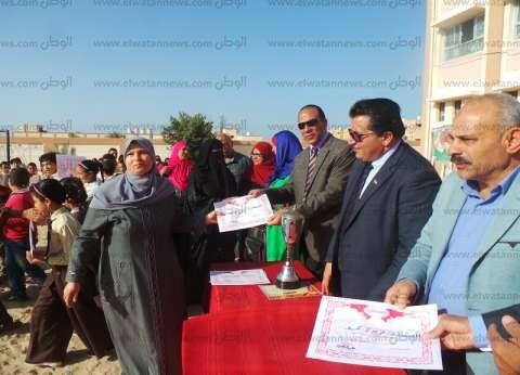 """تكريم فريق الكرة بـ""""السادات"""" الفائز بدوري المدارس في جنوب سيناء"""