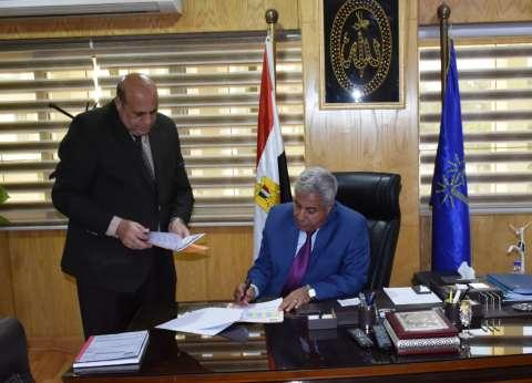 محافظ أسوان يوجه بتشديد إجراءات الترصد الوبائي على المنافذ الحدودية
