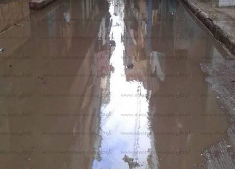 الدفع بسيارات شفط المياه بشوارع بورسعيد تزامنا مع سوء الأحوال الجوية