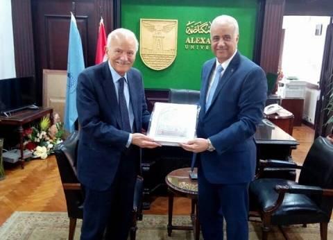 """رئيس جامعة الإسكندرية يستقبل رئيس """"ويندترونكس"""" الأمريكية"""