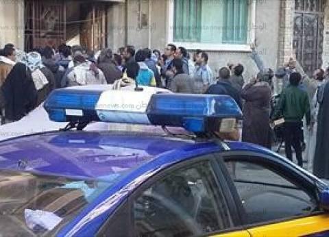 """""""أمن الشرقية"""" يطلق """"الغاز"""" لتفريق تجمهر أهالي سجناء الإخوان في أبو حماد"""