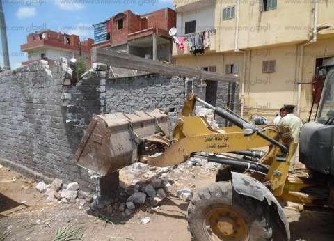 استمرار إزالة التعديات على الأراضي الزراعية بقرية سمادون في المنوفية