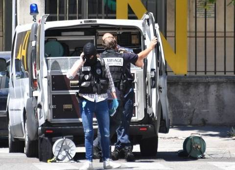 تمديد اعتقال سائق سيارة تعمد صدم مارة في جنوب غرب فرنسا