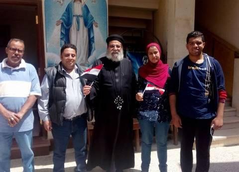 """وفد منظمة الحرية لحقوق الإنسان يزور كنيسة """"العذراء"""" لتهنئة الأقباط"""