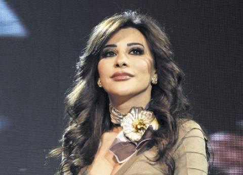 """نجوى كرم تغازل جمهورها المصري بأغنية أم كلثوم """"اسأل روحك"""""""