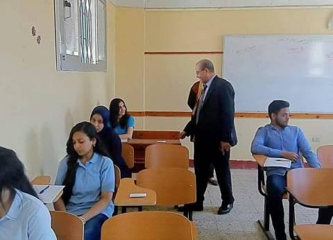"""وكيل """"تعليم بورسعيد"""" يتابع سير امتحانات آخر العام للمرحلة الثانوية"""