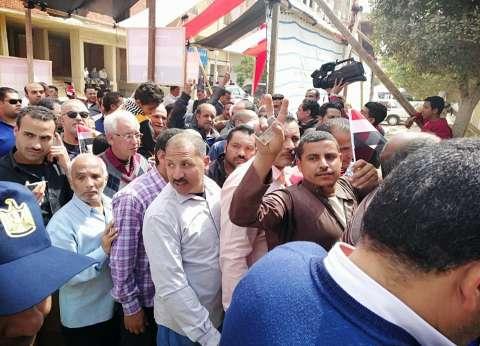 مدير أمن السويس: تيسير الإجراءات لتسهيل الاستفتاء على الدستور