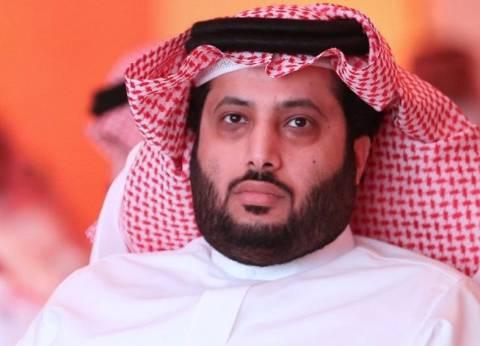 بالفيديو| تعادل تركي آل الشيخ مع هنيدي في دورة الألعاب الإلكترونية