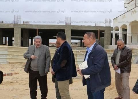 رئيس جامعة بني سويف يتفقد المستشفى الجامعي الجديد ومعهد النباتات الطبية والعطرية