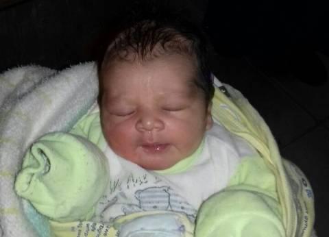 """""""أمن القاهرة"""" يسلم طفل لقيط لدار رعاية.. ويضبط والدته"""