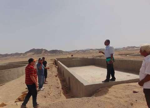 """رئيس """"الشلاتين"""" يتفقد المشروعات التنموية بوادي حوضين"""