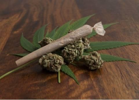 """""""مكافحة المخدرات"""" تضبط 8 كيلو حشيش و100 جرام كوكايين مع عاطل"""