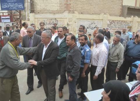 محافظ المنيا يتفقد اللجان الانتخابية في اليوم الثالث