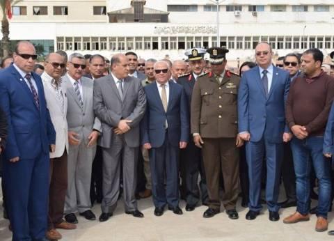 محافظ بورسعيد يزيح الستار عن تمثال الفريق عبدالمنعم رياض