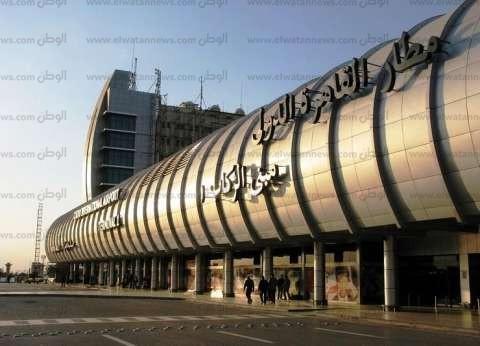 وزير خارجية الإمارات يغادر القاهرة بعد مناقشة الاعتداء على ناقلات نفط