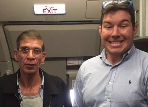 """أحد المحررين من الطائرة المختطفة: صاحب """"السيلفي"""" أوهم الخاطف.. وكنا نتوقع تفجيرنا"""