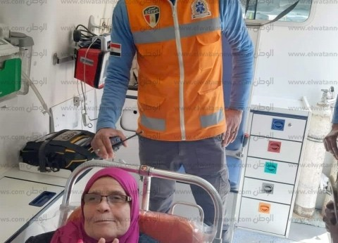 """""""إسعاف الإسكندرية"""" تقل 3 مسنين إلى لجانهم الانتخابية شرقي المدينة"""
