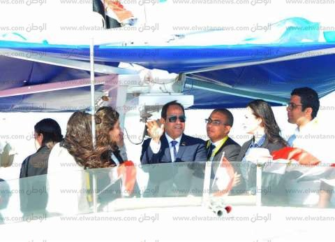 عاجل| السيسي يتفقد مشروع الأنفاق بقناة السويس