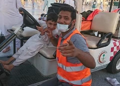 """""""محمد"""".. مسعف مصري متطوع في المسجد النبوي: حلم واتحقق"""