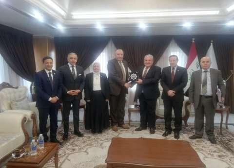 """وزير الري العراقي يشيد بمشاركة """"العربية للتصنيع"""" في """"الدولي للدفاع"""""""