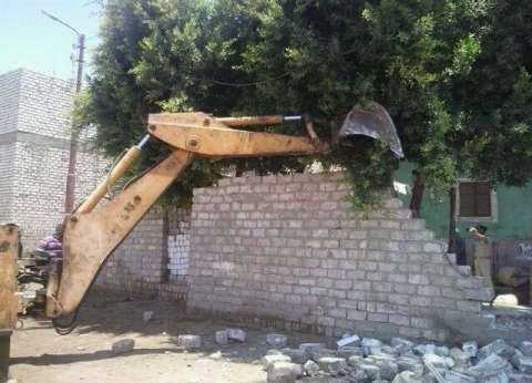 محافظ سوهاج: إزالة 18 حالة تعد على الأراضي في البلينا